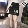 Lápiz mini falda corta para mujer negro de cintura alta femeninos apretados señoras bordaron un line kawaii floral elegante ropa de moda