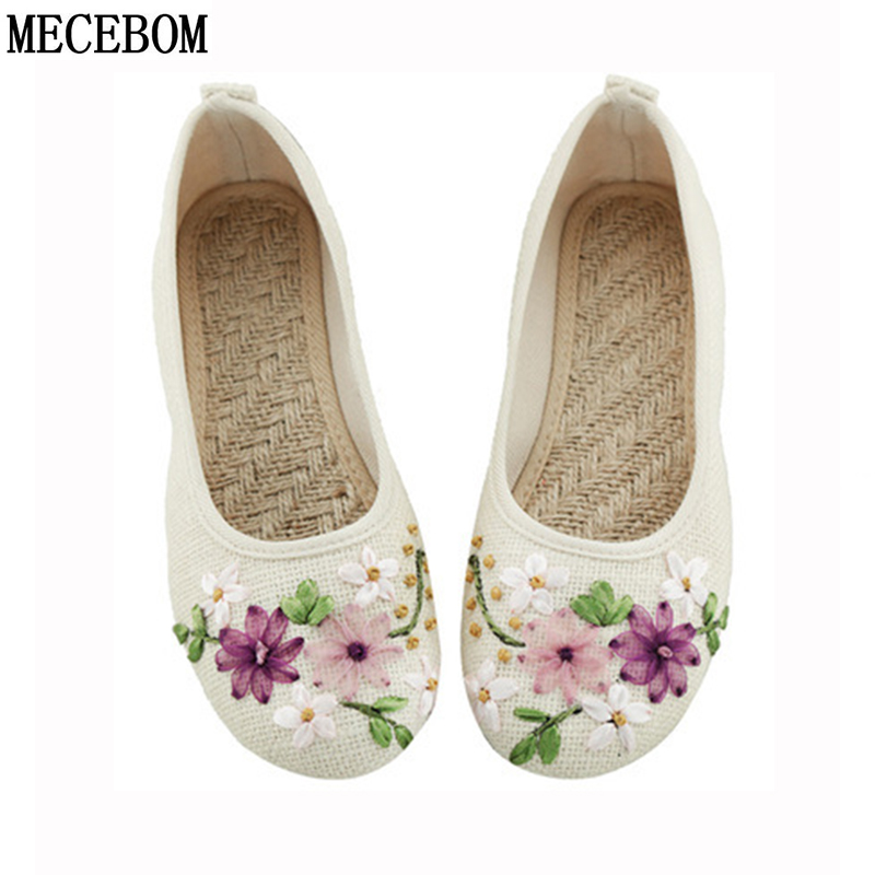 2018 New Women Flower Flats Slip On Cotton Fabric Casual Shoes Comfortable Round Toe Student Flat Shoes Woman Plus Size 2812W white lace flower wedding shoes woman flat heel round toe slip on spring autumn plus size 40 41 woman s wedding flats shoes