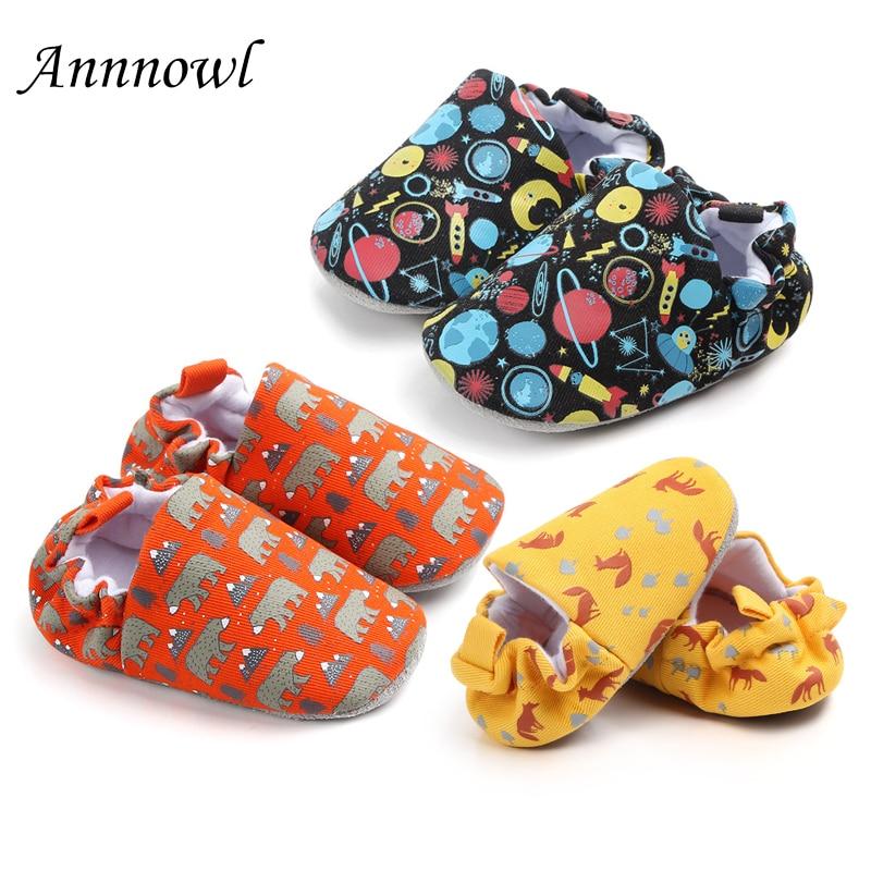 7b2d905aa08bd Nouveau-né Bébé chaussures pour berceau De Mode Mignon de Bande Dessinée  Infantile chaussures pour