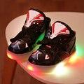 Chaussure enfant crianças shoes com luz 2017 nova primavera do bebê das meninas dos meninos shoes crianças led sports shoes moda sneakers luz