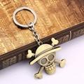 Keychain figura dos desenhos animados Anime One Piece pingente chaveiro chaveiro Bronze porte clef Monkey D Luffy