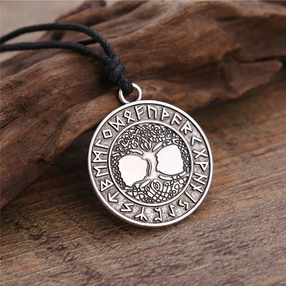 Pendentif Arbre de Vie Yggdrasil collier Vikings , et wicca