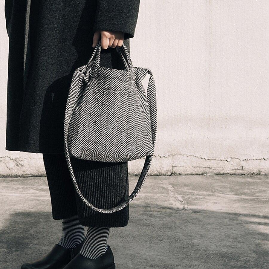 MOREUSEE classical herringbone fabric women messenger bags portable for light traveling FUN KIK