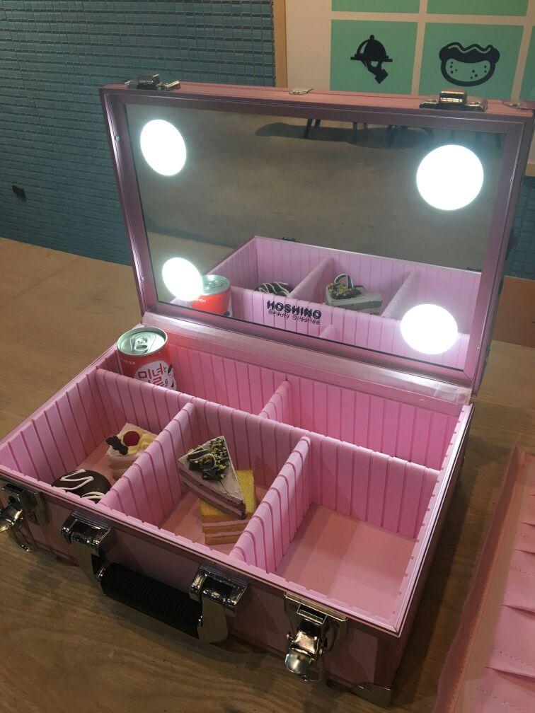 Fall Stickerei Lade Mehrschichtige Lagerung Leuchten Spiegel Led Tools Box Tragbare Professionelle Tasche Mit Up Nagel HvCzE6qx