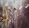 Livre o navio fixado na parede de ouro finish swan bath chuveiro torneira da banheira com chuveiro mão alças cisne luxo