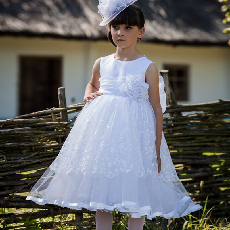 New Arrival Flower Girls Scoop Neckline Lace Tulle Ball Gowns First Communion Dress with Bowknot Sash Sweety Girls Dresses