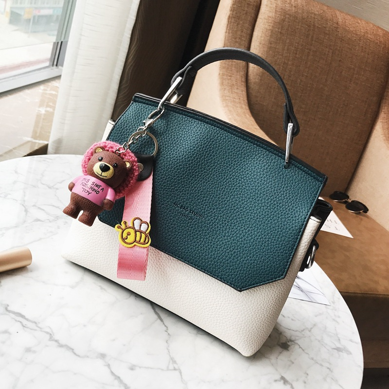 Small bag 2018 autumn and winter new tide Korean version of the retro fashion wild Messenger bag female hit color shoulder bag