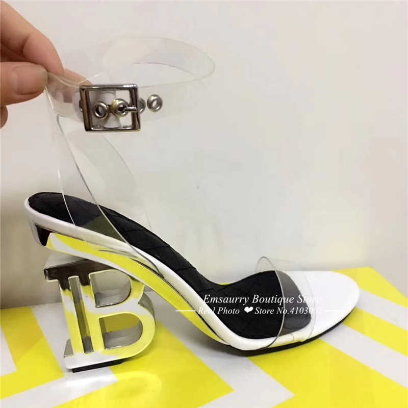 Neuheit Metall Brief Ferse Gladiator Sandalen Frauen Ankle Strap One-strap Transparent PVC Seltsame Ferse Mode Sommer Schuhe Frau