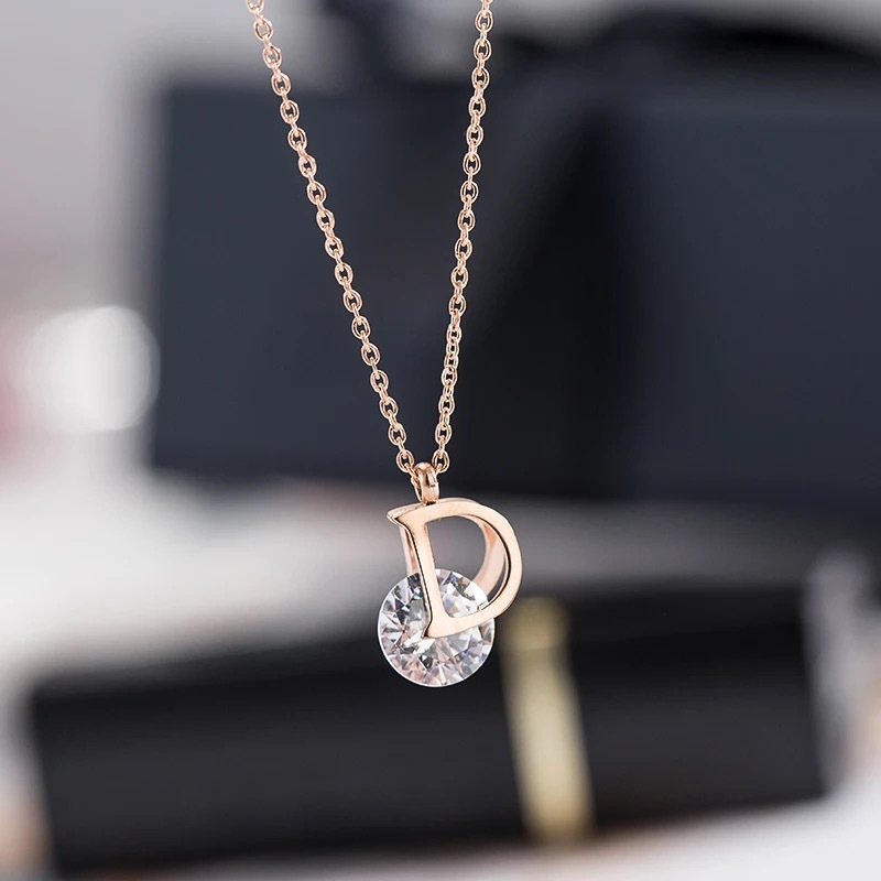2018 European new Fashion Simple women necklace Fine jewelry Crystal from Swarovski female Titanium Steel Letter D Necklace
