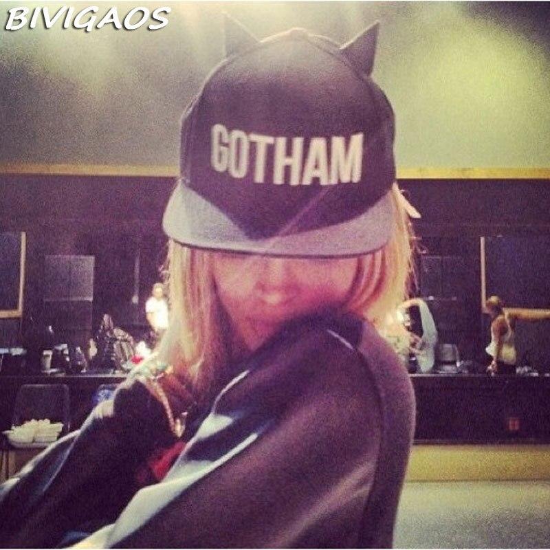 Aliexpress.com  Comprar Mujeres Euramerican GOTHAM diablo cuernos gorra de béisbol  Hip Hop gorras mujer negro hueso sombreros del Snapback Hiphop para los ... 9710f9c3ee3