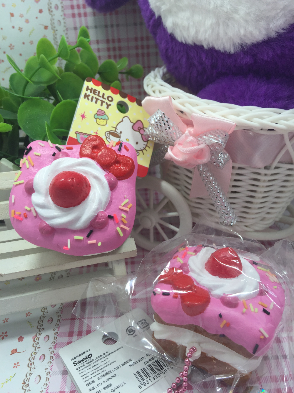 1PCS original package rare hello kitty squishy sweet cake squishy phone charm pink food toys stress