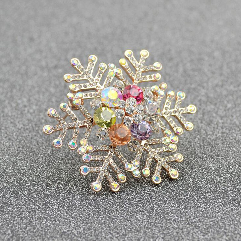 New 2017 Multi-color Rhinestone Snowflake Brooches for Women Wedding Elegant Hijab Pins and Brooches Fashion Corsages Good Gift