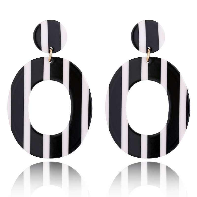 New Fashion Oval Black White Stripe Acrylic Stud Earrings For Women Tortoiseshell Jewelry Earrings 2018 Aretes De Mujer AE244