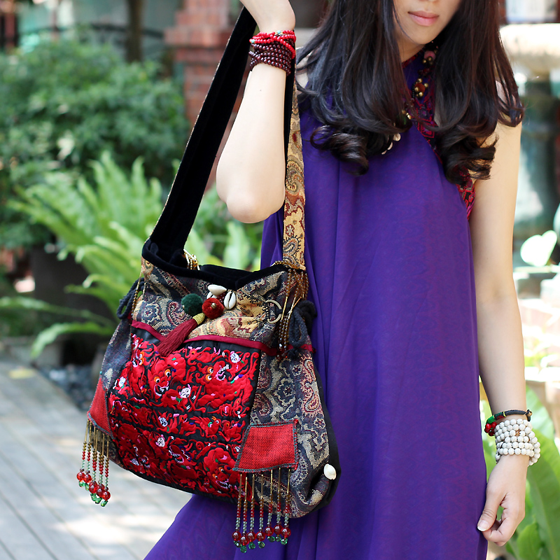 Old style bell Thailand wind embroidery pearl single shoulder women's canvas bead embroidered bag art bag. free shipping top hot wholesale embroidered mobile mobile phone bag hand bag lady nation style embroidery canvas bag special
