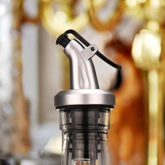 Olive Oil Sprayer Liquor Pourer Dispenser Flow Wine Bottle Pour Spout Pourers Flip Top Stopper Barware Silicon Utensils Kitchen 2