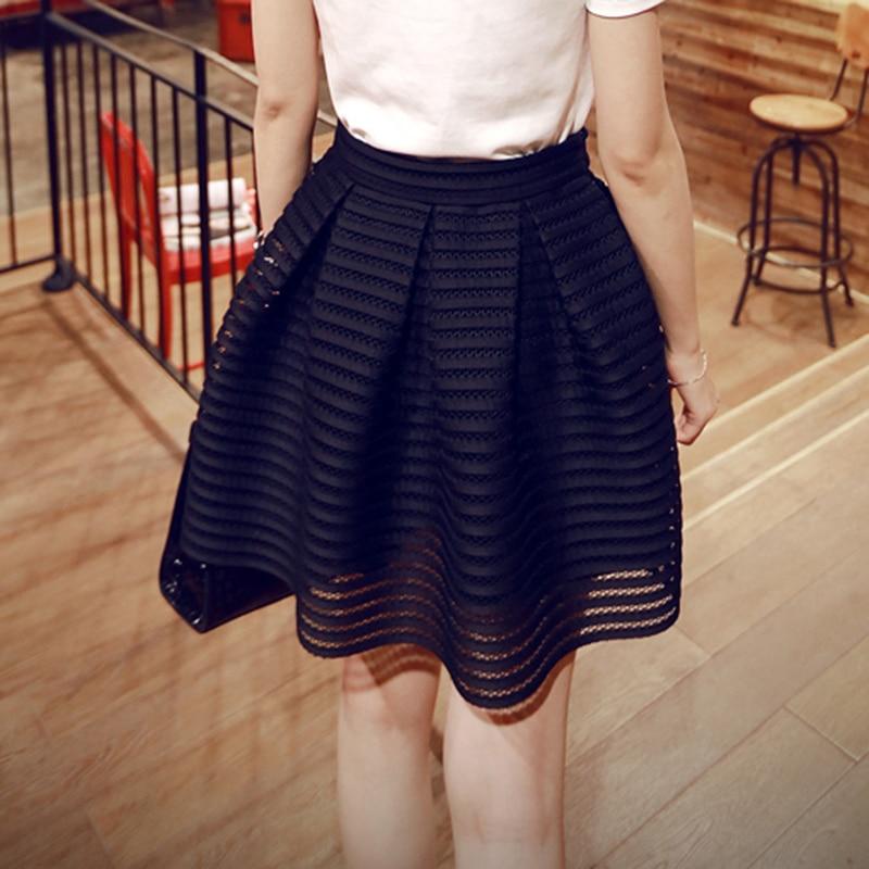 2017 verano nuevo estilo Sexy moda Falda Mujer rayado ahuecado mullido Falda  larga Swing faldas damas negro blanco vestido de bola en Faldas de La ropa  de ... 752cbcedc956