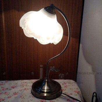 חינם של אירופה אמריקאי מנורת שולחן מנורה שליד המיטה חדר שינה אלגנטי פסטורלי סגנון מסעדת מנורות שולחן מחקר אלגנטי FG508