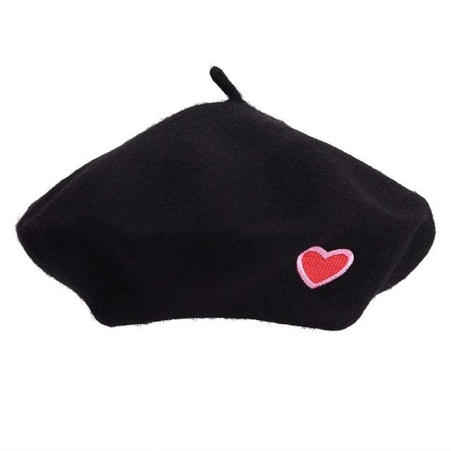 d000c699ba27b Otoño Invierno Vintage negro corazón lindo bordado boina mujeres artista  Ladies lana sombrero sombreros boinas