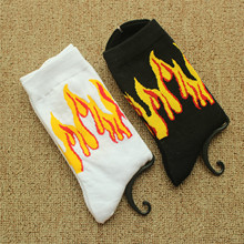 2018 new fashion socks Harajuku skateboard socks personality flame cartoon socks cotton casual men and women