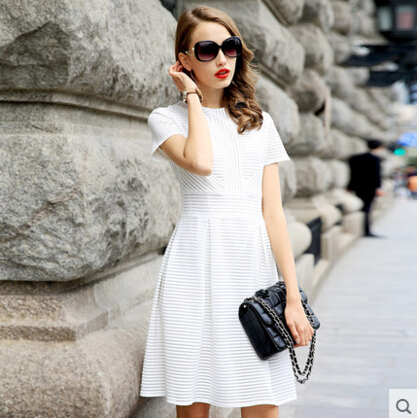 2016 Summer New European And American Fashion Slim Temperament Hollow Striped Short-sleeved Dress Pink White Color Lady Dress