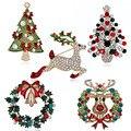 Árbol de Navidad de diamantes de imitación de cristal broche Pin de esmalte de Metal alce Garland Santa Claus trineo vacaciones Unisex regalo de joyería de moda