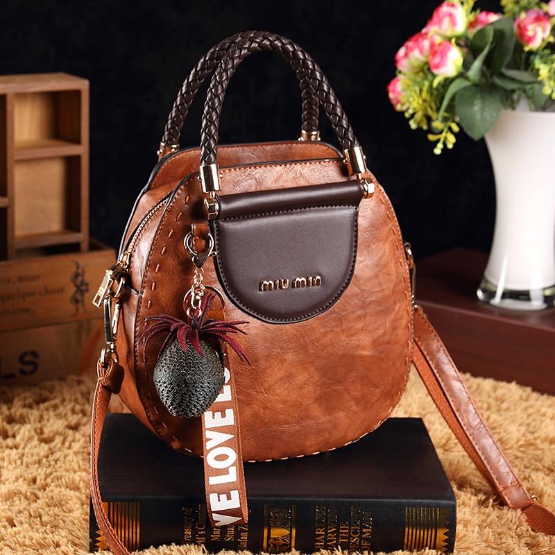 Small Circular Bag for Girls Handbag Women Vintage Leather Shoulder Bag 2018 New Adjustable Tassel Messenger bag Crossbody Bag