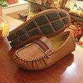 2017 Nuevo Otoño bebé Niño Zapatos de Cuero Casual Zapatillas Niñas Zapatos de Cuero de LA PU Negro Cabritos de La Manera se Divierten los Zapatos Mocasines