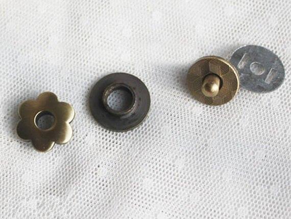 Plaqué Bouton 20mm S'enclenche Magnétique Bouton Métal Antique Brossé En Fleur Fermetures Laiton Snaps q6qFx8