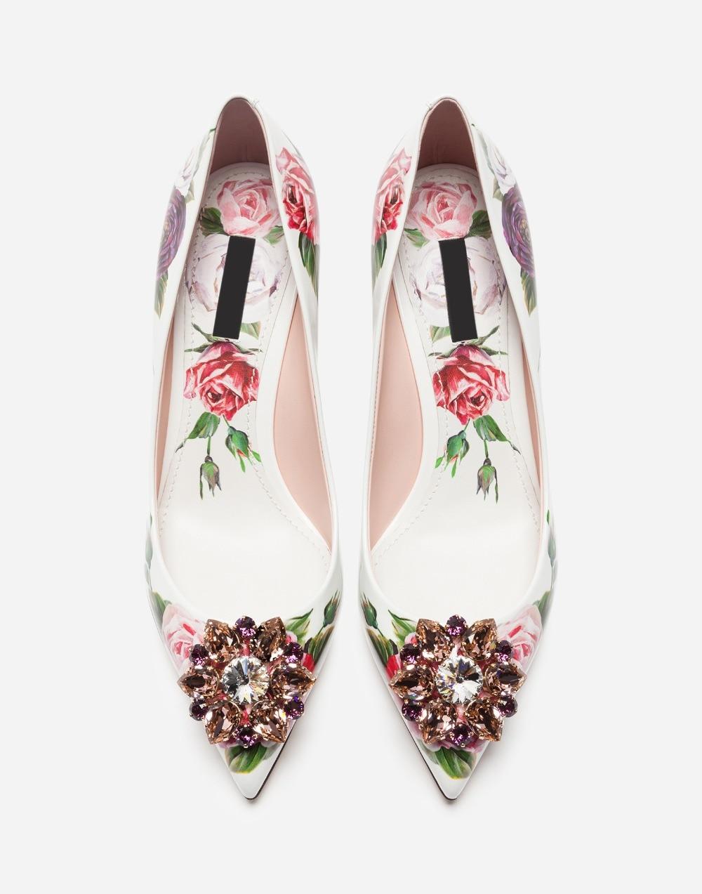 Luxury flower woman pumps diamonds 5CM low heel woman shoes pointed toe  flower Stiletto High Heel Rhinestone Bling Wedding Shoes 550744d90ed6