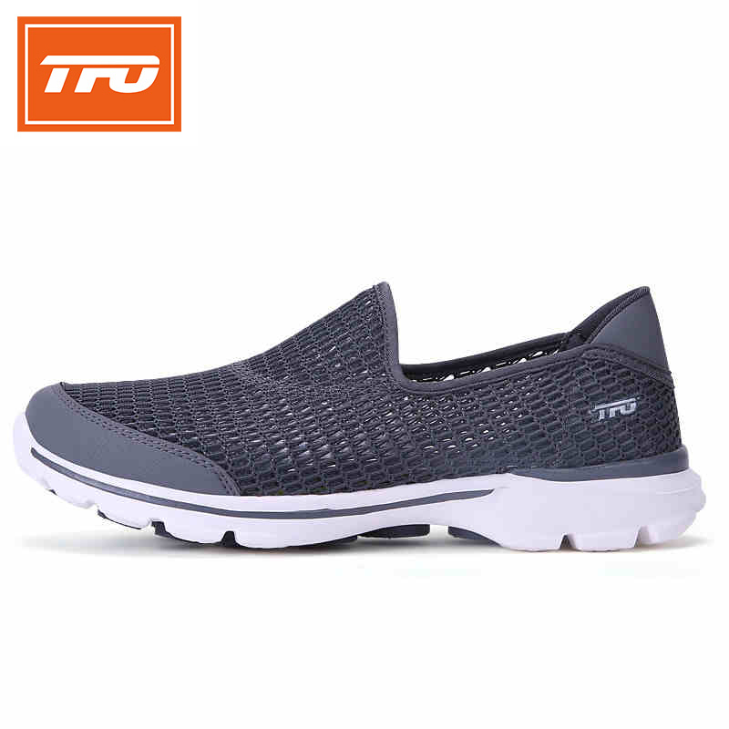 TFO Walking Shoes Slip-On Light Weight Breathable Comfortable Summer Mesh Sports Shoes Sneakers 2017 Men Shoes 8E1713