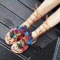 2017 лето женщины гладиатор сандалии кисточкой многоцветной пух мяч пом пом сандалии женский женщина зашнуровать богемия Плоские туфли на каблуках
