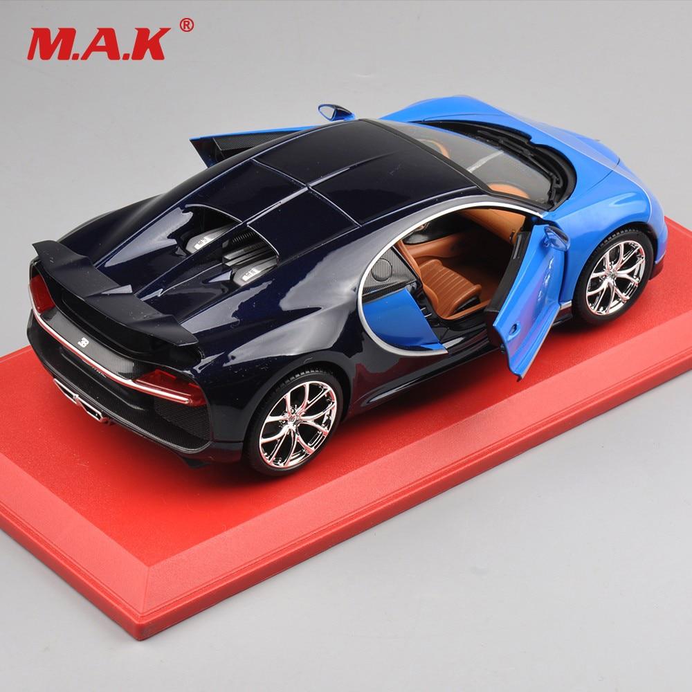 Voiture de cadeau de noël pour enfants modèle jouets 1:18 Bugatti Chiron modèle moulé sous pression voiture Roadster avec boîte d'origine couleur bleue/rouge