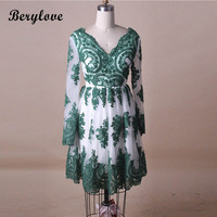 BeryLove Lovely Short Green Homecoming Dresses With Sleeves Tulle Lace V Neck Homecoming Dress Party Gowns Graduation Dresses