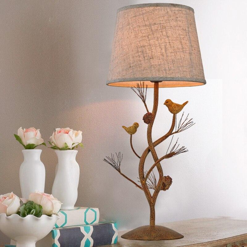 Lampes de bureau pour oiseaux de pays américains rétro chambres d'hôtel étude de fer style européen personnalité créative lampe de chevet lo7123 YM
