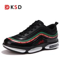 Onemix Men's Sport Running Shoes 2018 New Men's Sneakers Breathable Mesh Outdoor Athletic Shoe Light Male Shoes Trainers Walking