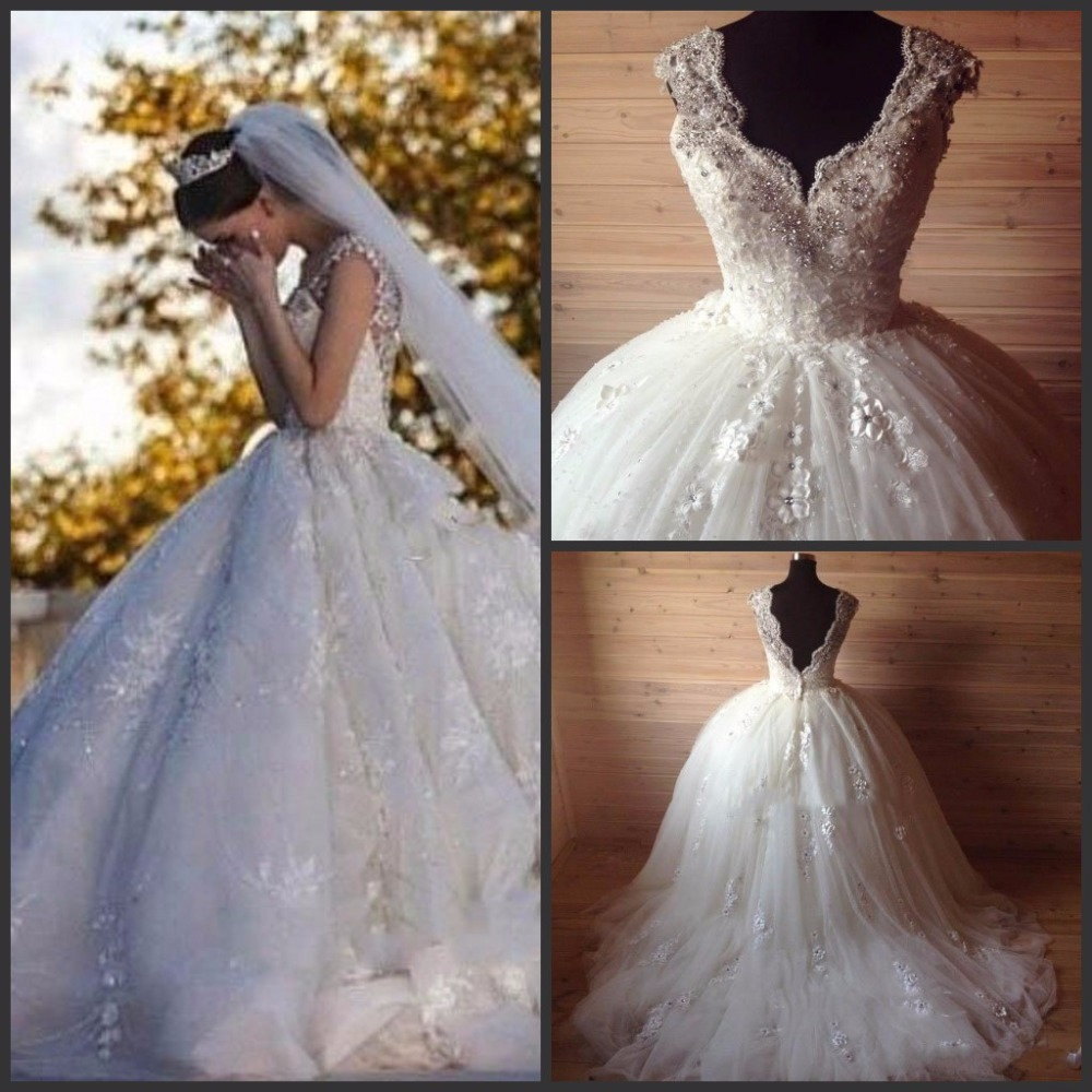 Real Picture Cheapest V Neck Sleeveless Lace Beading Flower Appliques Ball Royal Train Bridal Gown Mother Of The Bride Dresses