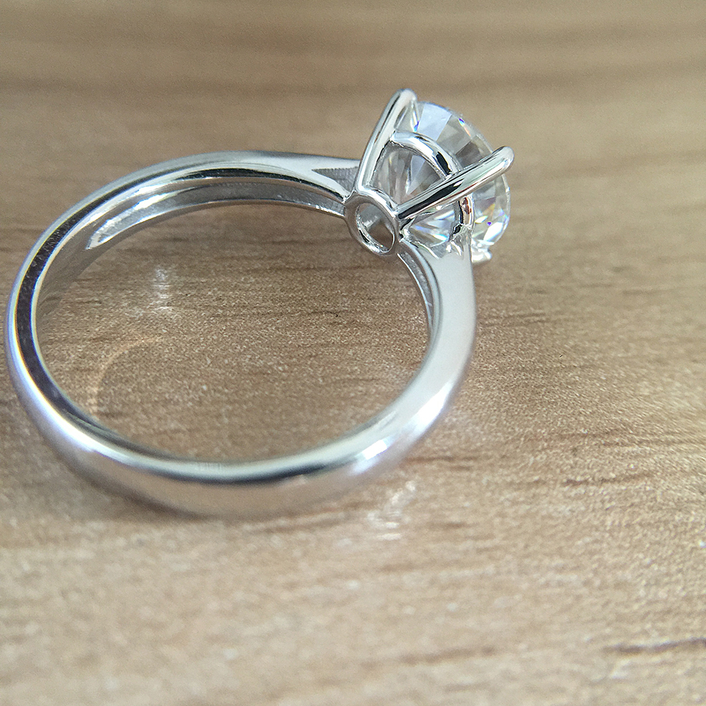 Chapado en platino plata DF 1.0ct 6,5mm corte redondo DF Moissanite anillo de compromiso anillo de aniversario anillo de Moissanite para mujeres-in Anillos from Joyería y accesorios    2