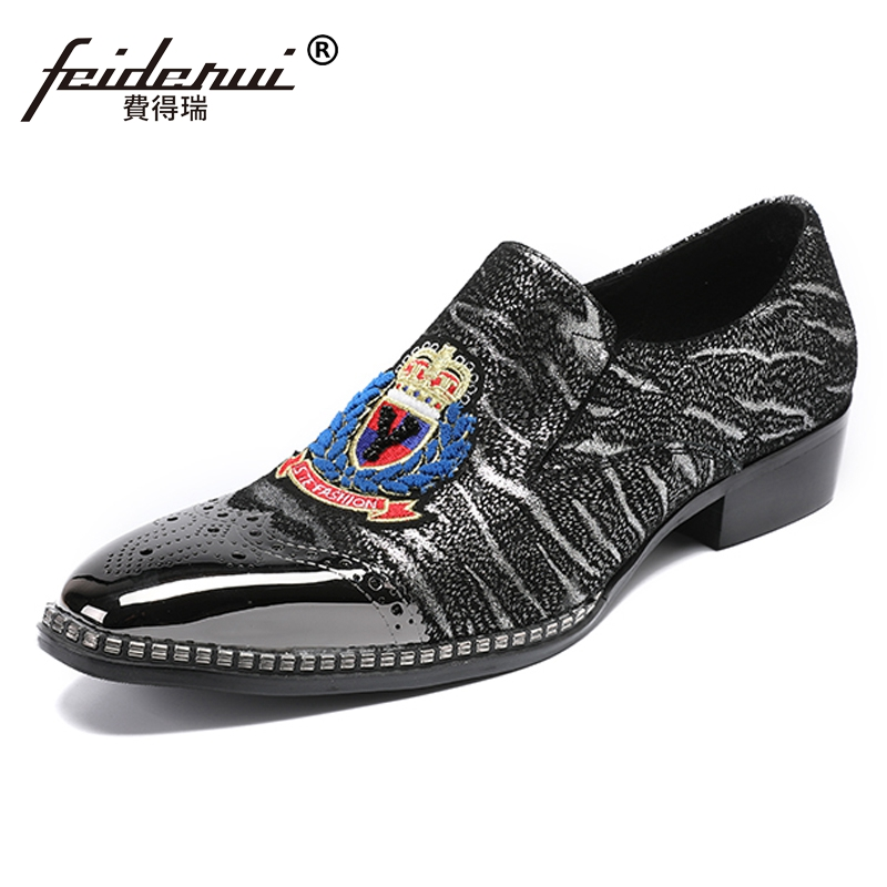 Plus Size Vintage Genuine Leather Man Moccasin Brogue Loafers Round Toe Slip on Carved Striped Men's Party Casual Shoes SL285 все цены
