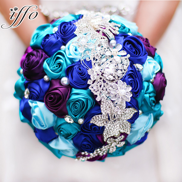 Bride Holding Flowers New Arrival Romantic Wedding Colorful Rose