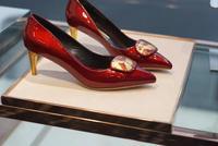 Весенне летние пикантные элегантные кожаные туфли на высоком каблуке с закрытым носком винно красного цвета