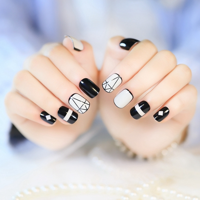 Acrylic Fake Lady Nails White Black Geometric Patterns Nail Design Pre-designed  Nails Manicure tools - Acrylic Fake Lady Nails White Black Geometric Patterns Nail Design