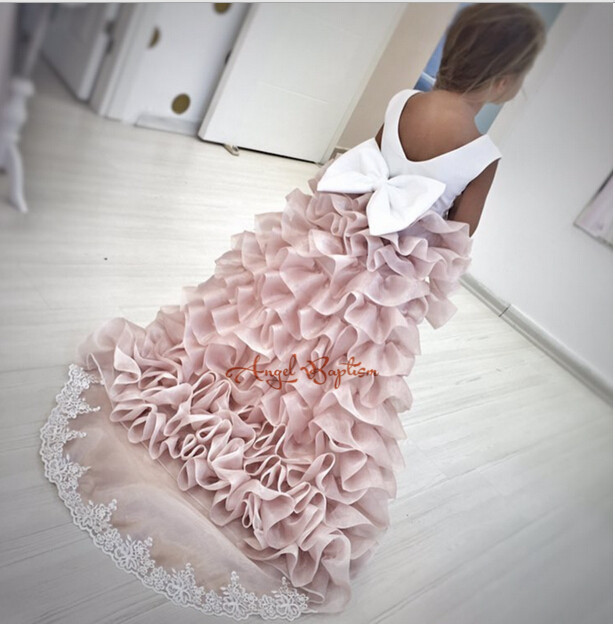 2018 Tiered Flower Girl Dresses with Long Train for Wedding Lace communion dresses for girls pageant dresses kids evening gowns 1 12t pink lace long trailing wedding dress flower girl dresses appliques first communion dresses for girls pageant dresses