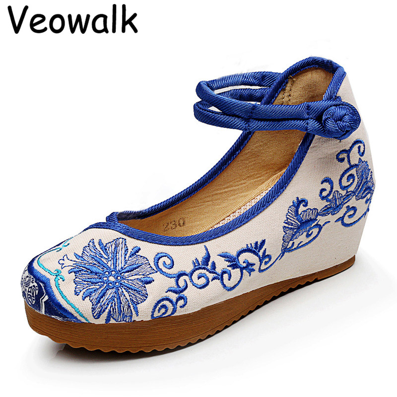 Veowalk Blue White Women Canvas 5cm Heel Wedges Shoes Ladies Flower Cotton Embroidered Costume Platforms Strappy Zapatos Mujer blue and white canvas anti static shoes esd clean shoes pharmaceutical shoes work shoes add cotton