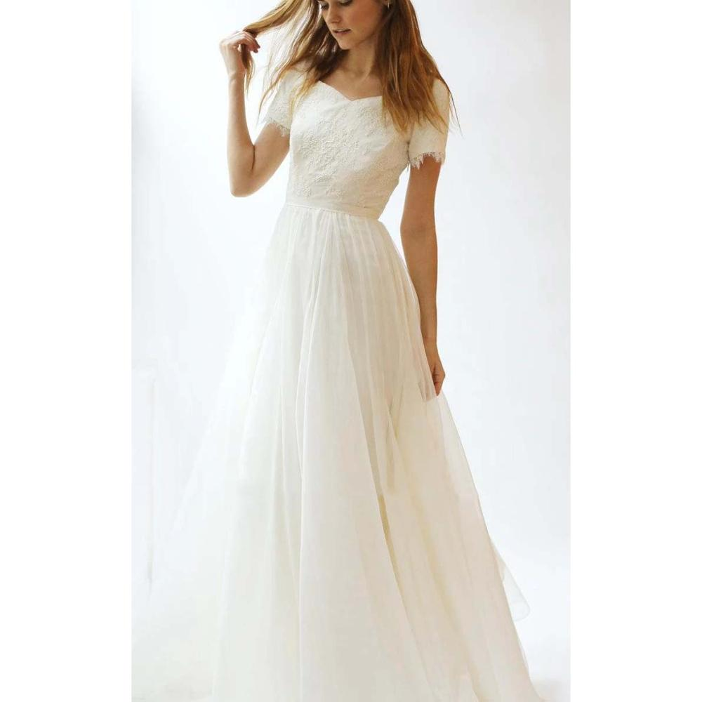 Simple Plus Size Short Sleeve Wedding Dress Vintage A Line Lace Appliques Floor Length Bridal Gowns Hot Sales Custom Made in Wedding Dresses from Weddings Events