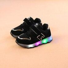 2019 di Modo della Molla Dei Bambini Led di Illuminazione Scarpe scarpe per  bambini per la ragazza illuminato Luminoso della Sca. 0b61ba162c4