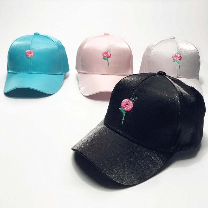 2017 Fashion trend Summer flowers embroidery Silk satin  all-match outdoor Couple Curved eaves Baseball cap a three dimensional embroidery of flowers trees and fruits chinese embroidery handmade art design book