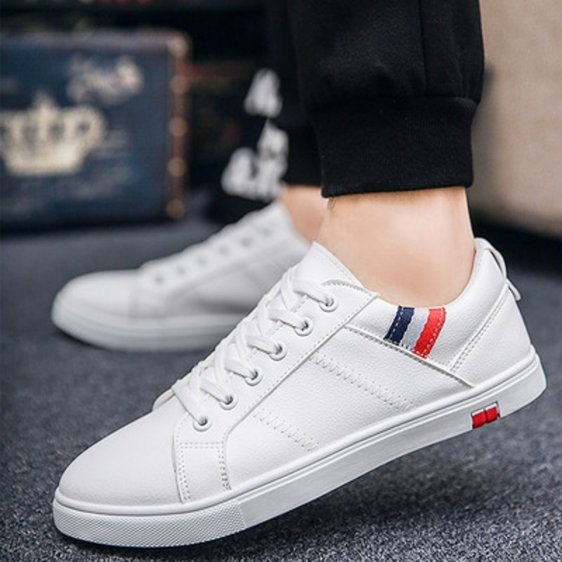 2018 new men's leather casual shoes classic fashion men's tie flat shoes black white men's flat shoes.