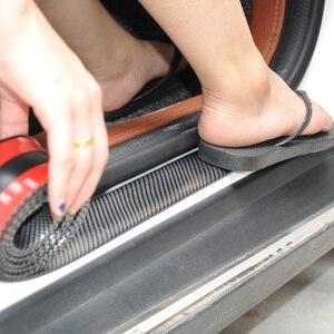 Image 3 - 車のステッカー 5D 炭素繊維ゴムスタイリングドア敷居プロテクター商品フォードフォーカス BMW アウディマツダ起亜ヒュンダイなどアクセサリー