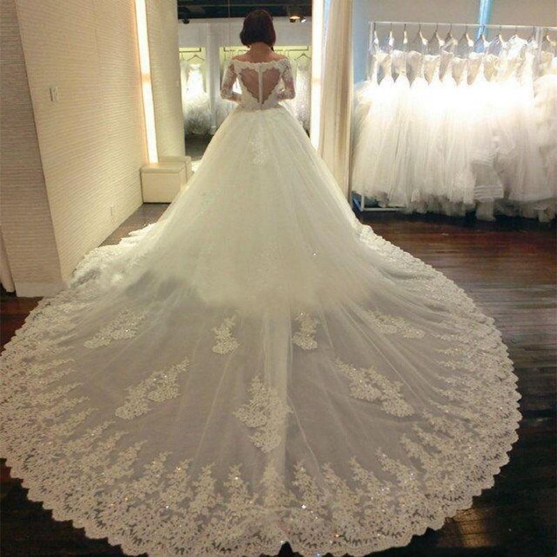image Vestido de encaje blanco hermoso y sexy