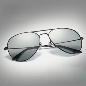 Image 2 - VCKA Photochromic משקפי שמש גברים נהיגה מקוטב משקפיים שמש זיקית טייס ראיית לילה משקפי משקפיים uv400 Eyewear